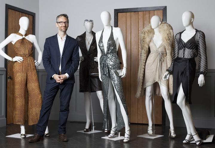 【正在热映】从服装设计师的角度看《美国骗局》:美术