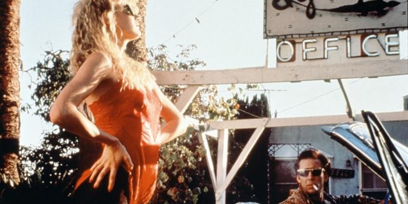凯奇主演的《我心狂野》也是公路片的经典