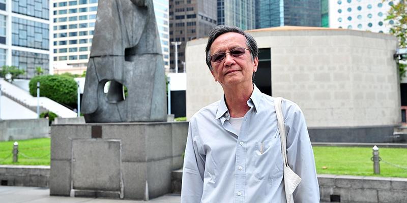 罗卡,曾是电视台编导、编剧、多届香港国际电影节专题策划者、电影文化研究者,曾获香港政府颁发荣誉勋章。