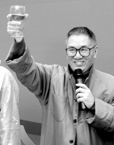 香港著名词曲人 黄霑