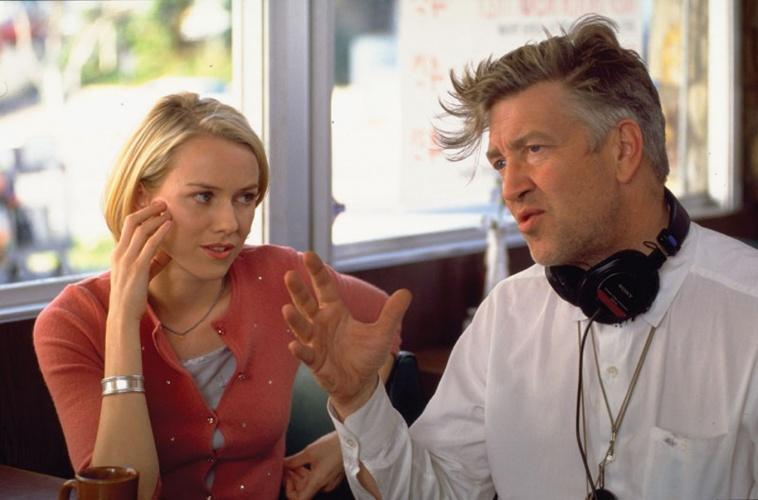 大卫·林奇在《穆赫兰道》片场指导娜奥米·沃茨