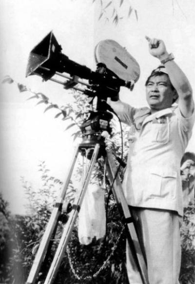 胡金铨拍摄《山中传奇》时的工作照