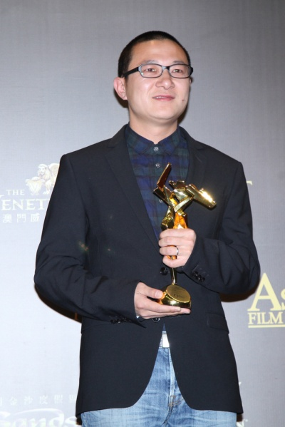《万物生长》摄影师曾剑,在2015年3月25日第九届亚洲电影大奖颁奖礼上,曾剑凭借《推拿》荣获最佳摄影